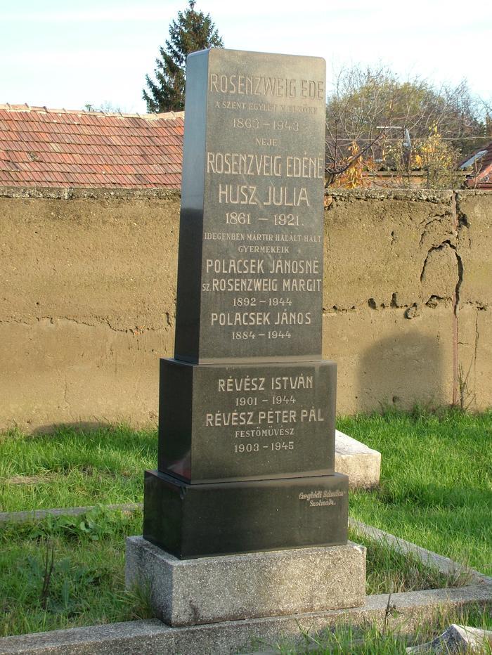 Révész Péter Pál síremléke.